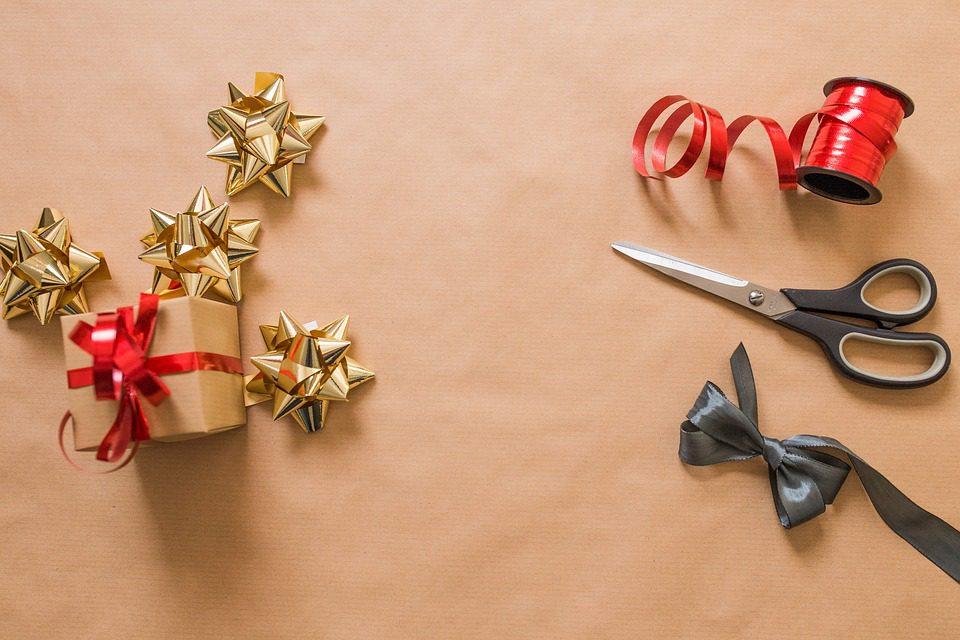 christmas card ideas, homemade christmas cards, xmas card ideas for toddlers, creative christmas cards for kids, ideas for making christmas cards with toddlers, christmas card ideas preschool, christmas cards to make for toddlers, easy christmas cards for preschoolers, diy christmas card ideas